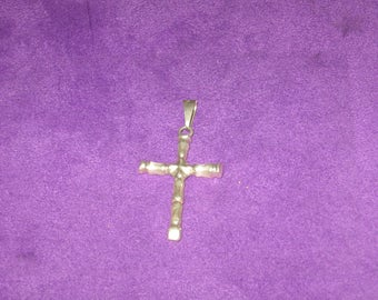 Vintage 925 Sterling Silver Cross Pendant In Excellent Plus Condition.