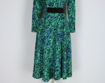 1980s Dress - Shirt Dress - Abstract Bold Print - Full Flare Skirt - Matching Belt - Pockets - Vintage - Blue Green Black - Size S/M