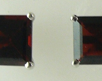 Garnet Earring 3.45ct 14k White Gold
