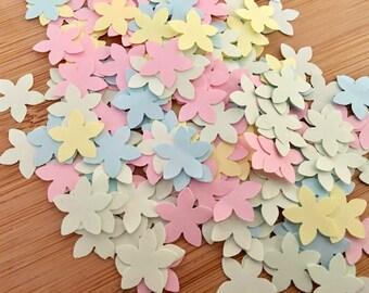 1000 x Pastel Flower Shaped Confetti