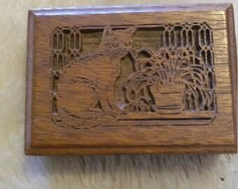 Vintage Lasercraft Walnut Cat Music Box