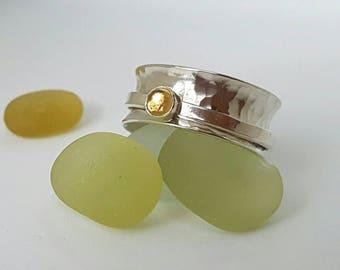 Sterling silver hammered, citrine set  spinner ring