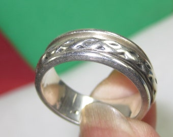 H-45 Vintage Ring size 8 925  silver