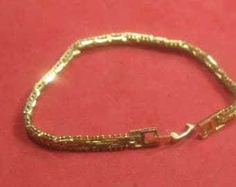F-90  Vintage Bracelet 8 in long