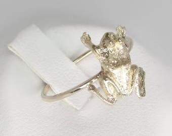gold frog ring, 14k gold vintage frog ring, gold stacking ring, gold insect ring, frog midi ring, botanical ring, bug ring, gold toad ring,