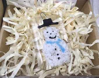 fused glass snowman, fused glass, christmas decoration, tree decoration, snowman, gift, gift tag, chrismas,