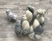 SNOW OWL - Witch Hazel Soft Sock Fingering Weight superwash Yarn - 100g - 400m