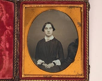 Daguerreotype of a Beautiful Young Lady, 19th Century Antique Photograph in Full Case