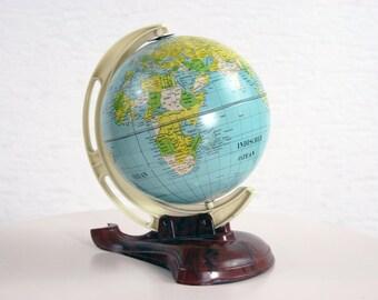 Small world map
