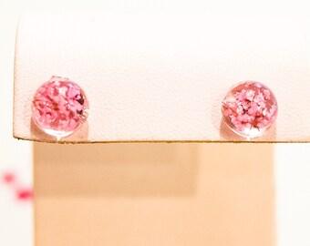 Pink Flower Studs:Stud Earrings;Resin Flower Studs;Flower Earrings;Earrings;Flower Studs;Resin Earrings;Resin Flower Earring;Resin Flower;