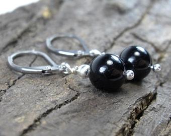 Small earrings Onyx