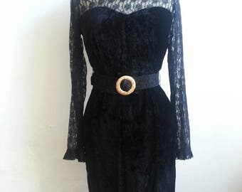 Sister of the moon ~Vintage 70s Velvet Lace Dress Victorian Gothic Black Night Out and Magical Belt Stevie Nicks Vibes