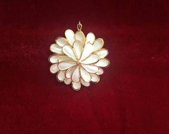 Peony flowers pendant