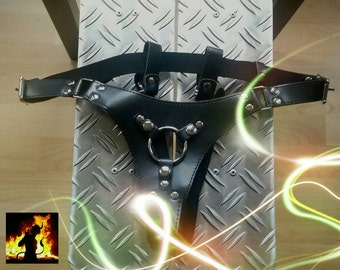 Strapon art leather