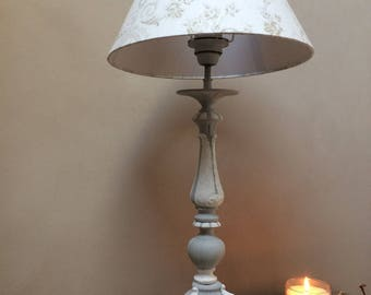 Spades in patinated bronze, gray and white candle lamp