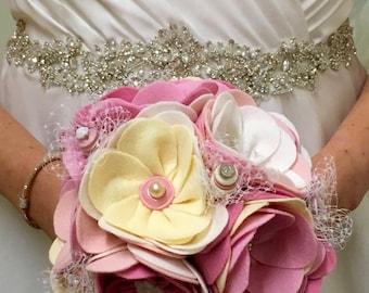 Vintage Button and Felt Wedding Bouquet / Wedding Flowers / Bridal Bouquet / Embroidery / Felt / Alternative Bride / Romantic / Bridesmaid