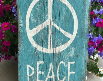 Old Wood Peace Sign