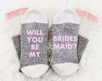 Bridesmaid Proposal, If You Can Read This Bring Me Wine Socks, Bridesmaid Socks, Bridesmaid Gift, Photography Prop, bridal photoshoot