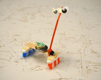 Build a Super BristleBot! A Really Fun DIY Kit