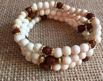 Boho beaded bracelets, Set of 3 wood beads bracelets, Stretchy bracelet set. Stackable beaded bracelets set. Natural wood beads set