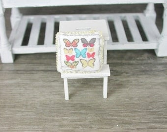 Dollhouse miniatures, silk cushions butterflies in miniature 1zu12 for the doll's House, the doll's House