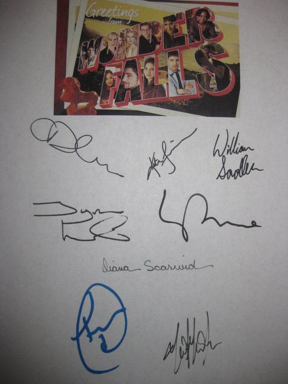Wonderfalls Signed TV Screenplay Script X8 Autograph Caroline Dhavernas Katie Finneran Lee Pace Tyron Leitso William Sadler Diana Scarwid