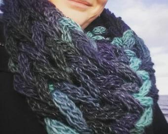 Chunky knit wool cowl