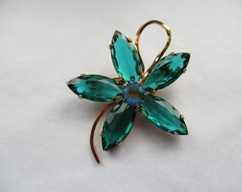 Large Gold Tone VINTAGE FLORAL BROOCH with Emerald Green, Marquise Cut, Petal Rhinestones, Floral Pin, Costume Brooch, Costume Pin