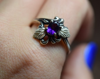 Purple Oval Gemstone Gold Plated Leaf Vintage Sterling Silver Ring, US Size 9.75