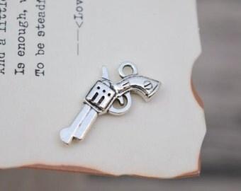20 antique silver gun charms weapon charm pendant pendants  (L01)