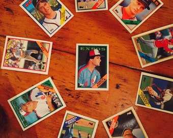 Set of 10 Topps Baseball card from the 1980's