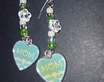 A lovely Mother's Day piece. Show Mom how much you love her.