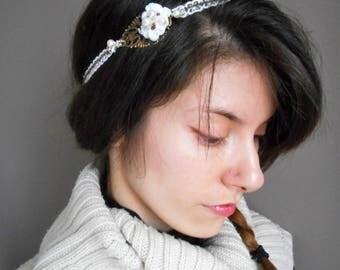 Headband marriage, retro, romantic white lace.