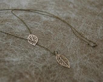Necklace leaves matt gold