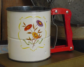 Vintage Androck Hand Sifter, Flour Sifter, Red Wooden Handle & Flowers, 3 Screens, Modern Farmhouse Country Charm, Farmhouse Decor, Old