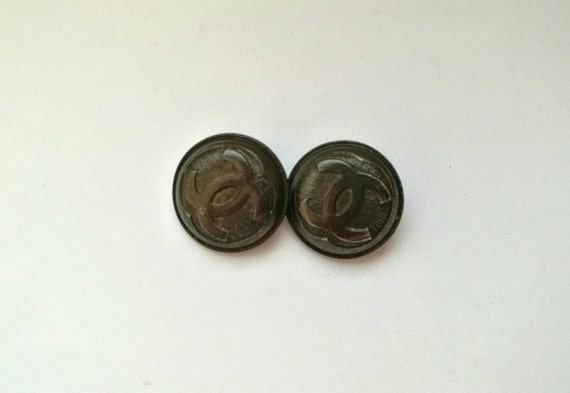 Lot of 2x D19mm Authentic Chanel vintage black metal buttons with CC logo