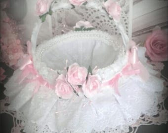 basket or empty Pocket embroidery English shabby chic french