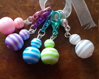 5 crochet  stitch markers. Striped beads