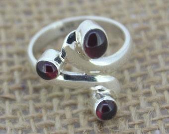 925 Sterling Silver Ring - Garnet