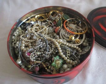 Covered Tin of Odd Sides and Broken Vintage Jewelry for Repurpose