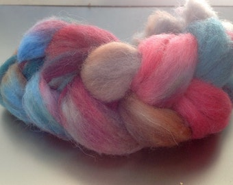 Combed tops hand-dyed spun wool Nr. 63