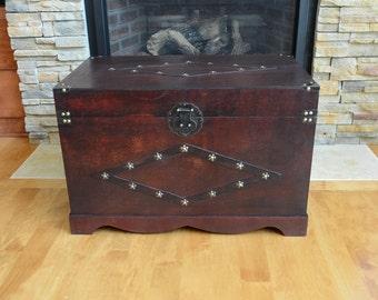 Jamestown Steamer Trunk Wood Storage Wooden Treasure Chest - Antique Red