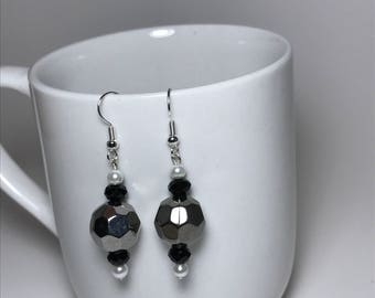 Silver Earrings, Black Earrings, White Earrings, White Pearl Earrings, Black Pearls Earrings