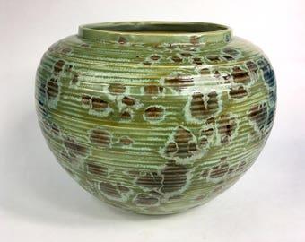 Alligator Green Ceramic Flower Pot