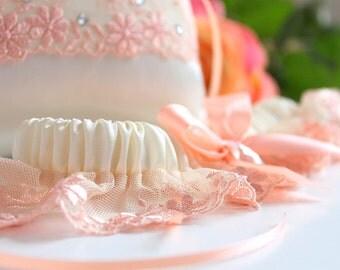 peach garter, peach wedding garter, peach bridal garter, peach lace garter, ivory garter with peach, ivory garter, peach plus size garter