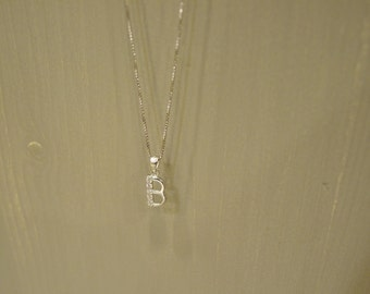 Pendant necklace with the letter B in silver and swarovski
