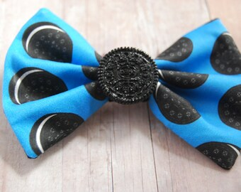 Cookie Bow // Cookies and Cream, Chocolate, Food, Candy, Sweets, Novelty