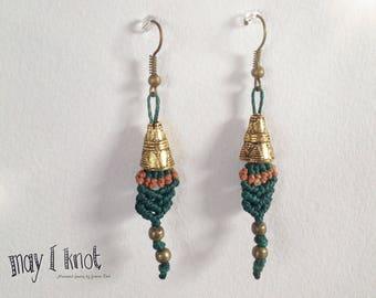 Macramé earrings dark green with brass beads