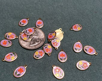 Vintage gold plated floral charms - 20 pieces - #837