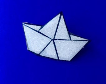 Spit folding ice boat